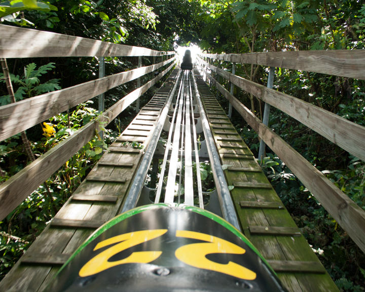 Bobsled Jamaica, Mystic Mountain - (C) Chris Short - flickr