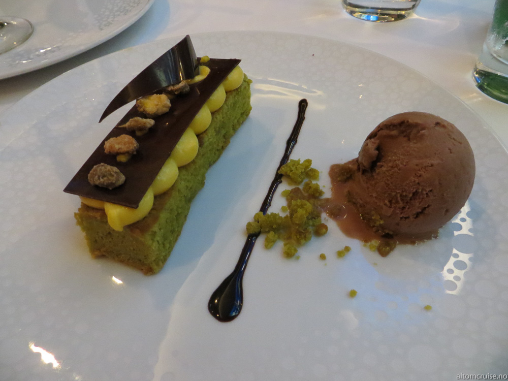The Haven Restaurant: Chocolate Pistachio Bar