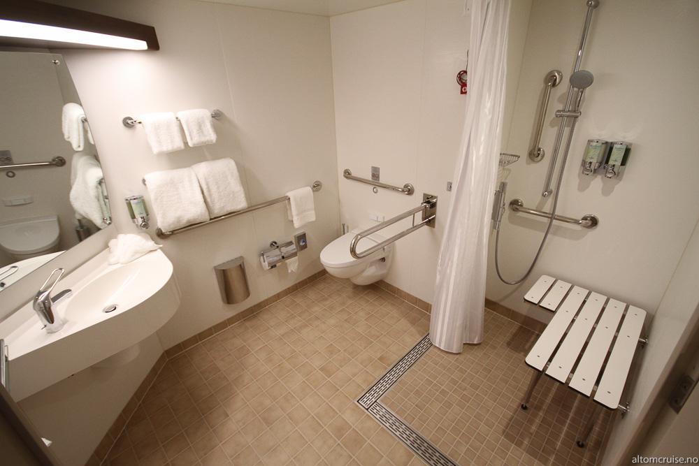 Lugar 10918 - kategori M1 - Aft Mini Suite (tilgjengelig)